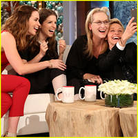 meryl streep calls bradley cooper a 'hog' after pushing her aside in the famous oscar selfie!